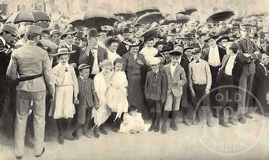 1904j_812.jpg